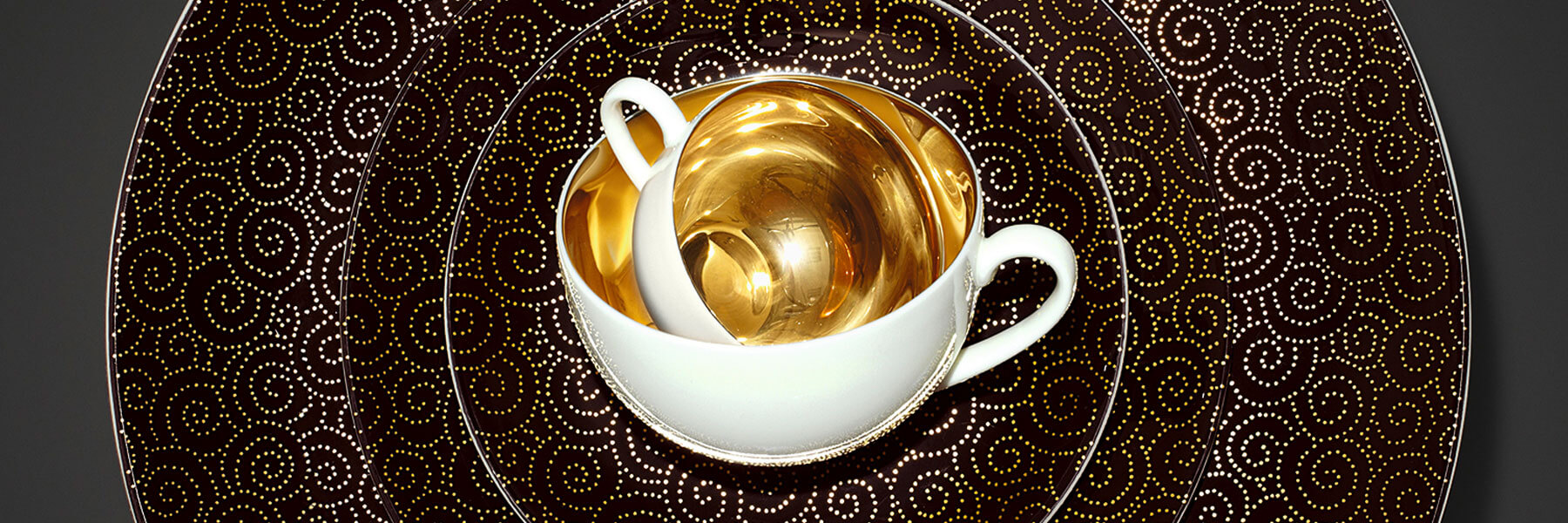Specht & Sohn für Dibbert - Ornament Gold-Schwarz